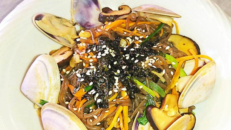 Stir fry Seafood Konjac Noodles