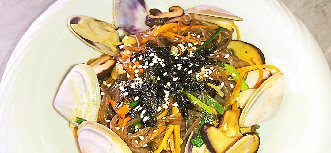 stirfry-seafood-konjac-noodles